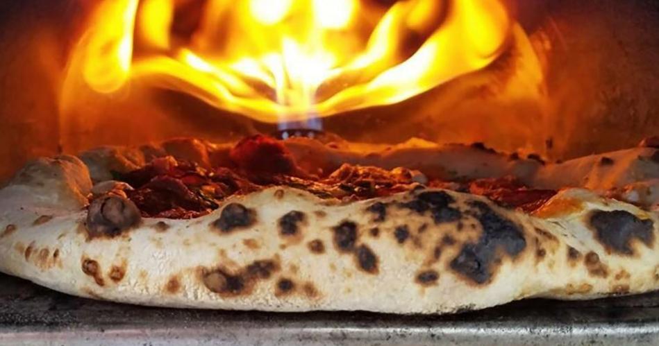 Image 3: The Wedding Pizza Company