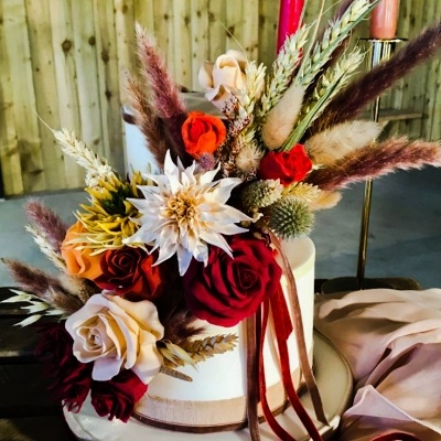 Cake maker, Sally Yarnold gives her top tips for choosing a small but beautiful cake