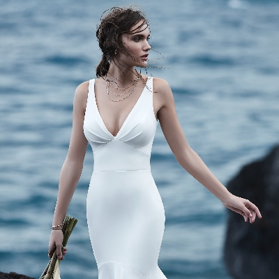 How to find the perfect wedding dress for pear-shaped figures
