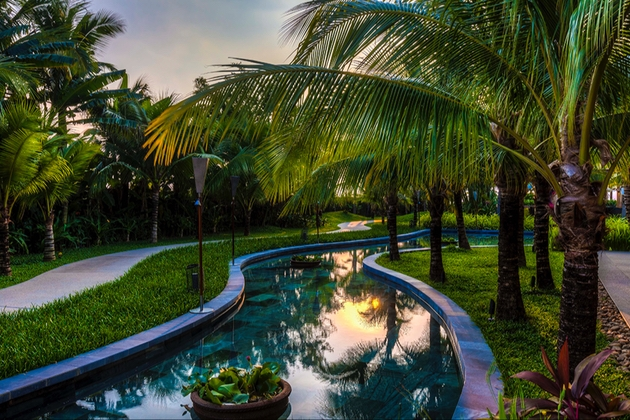 Honeymoon in Vietnam: Image 1