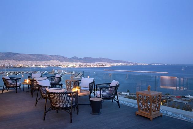Enjoy a Greek getaway for your honeymoon: Image 1