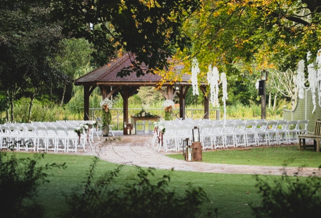 Say your vows at Moddershall Oaks